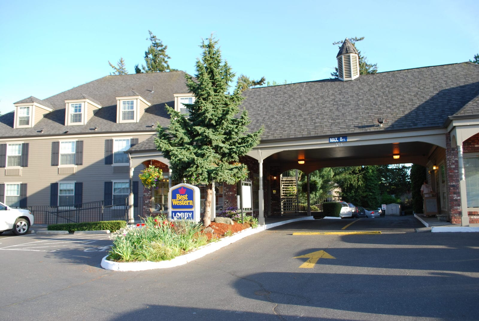 Heritage Inn at 151 McLeod Road, Bellingham, WA