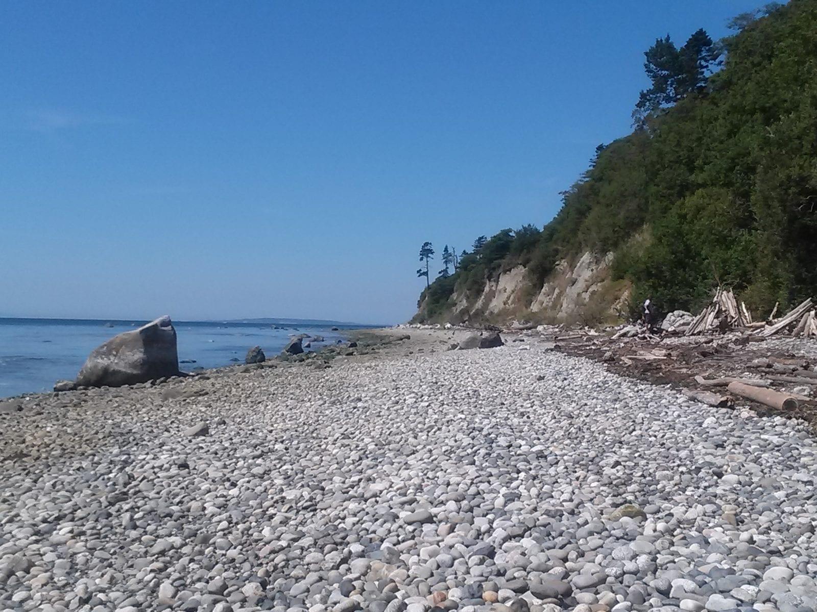 Rocky beach at Pt. Whitehorn
