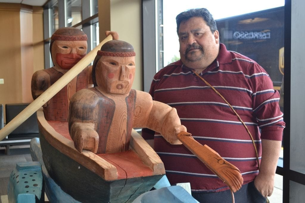 Salmon Story Pole Bellingham Airport5